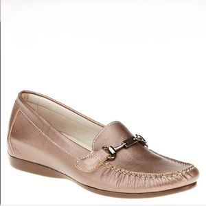 New Munro Kimi Loafers In Pewter Size 7.5